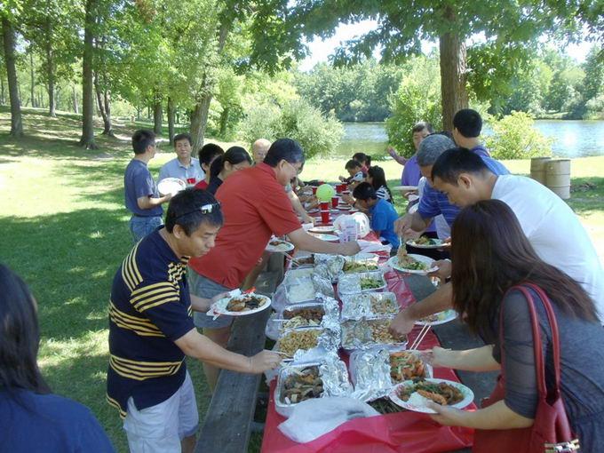 密西根新闻:吉林大学底特律校友成功举办2012夏季野餐